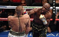 Pictures: Floyd Mayweather vs. Conor McGregor