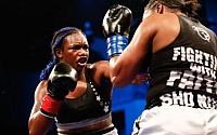 Pictures: Claressa Shields Dominates Tori Nelson