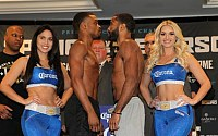 Pictures: Errol Spence Jr. vs. Lamont Peterson Weigh-ins