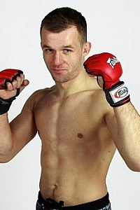 Adrian A-Train Henderson MMA Stats, Pictures, News
