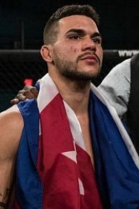 Luis El Tigre Gomez Mma Stats Pictures News Videos Biography Sherdog Com Gomez is also a fighter and a professional boxer, the only difference is that gomez plays in ring and michelle plays in the cage.this. luis el tigre gomez mma stats